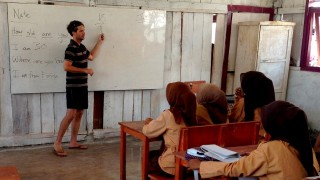 Teaching at the local school - Travel with a cause